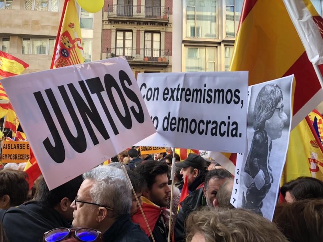 Manifestación en defensa de la Constitución, este miércoles, en Barcelona.