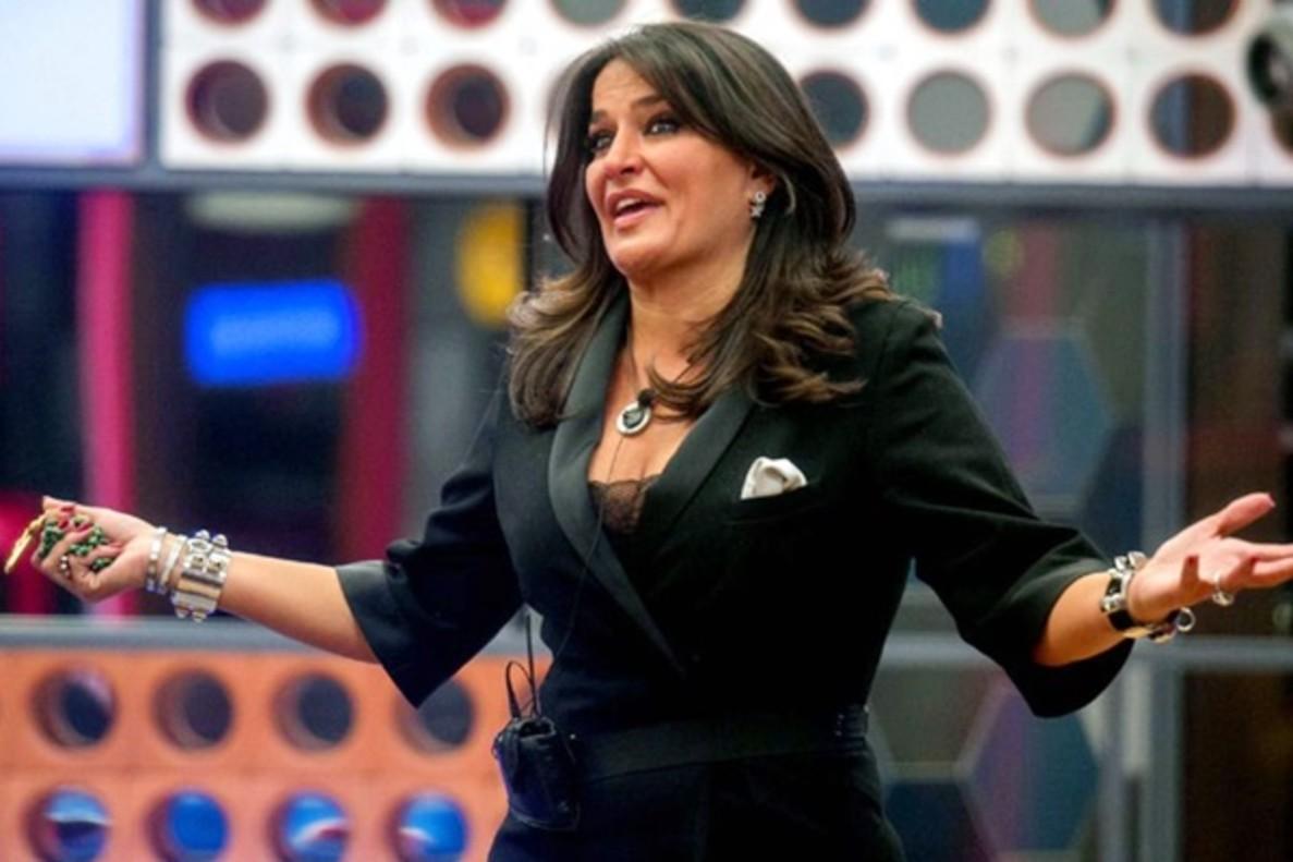 """Aída Nízar aterriza en el 'GH' italiano sacando de quicio a todo el plató: """"Adoro la mia vita"""""""