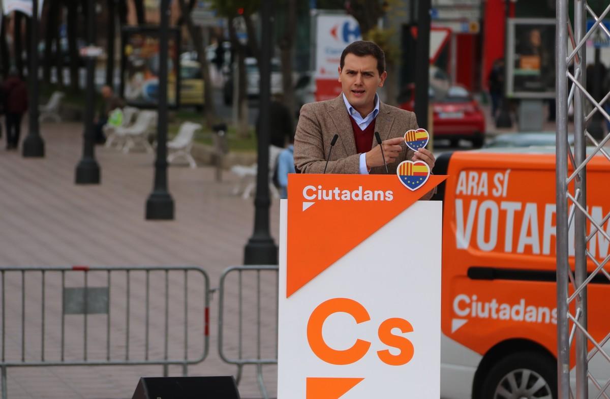 Rivera pactaría en Catalunya con todos los que acaten la Constitución y la ley