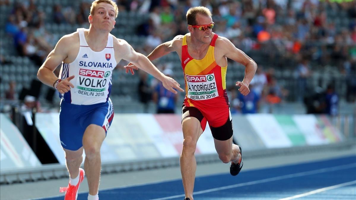 Ángel David Rodríguez resultó eliminado en la primera ronda de los 100 metros .