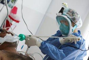 El porcentaje de ocupación de camas de terapia intensiva por todo tipo de patologías es del 57,7 % a nivel nacional.