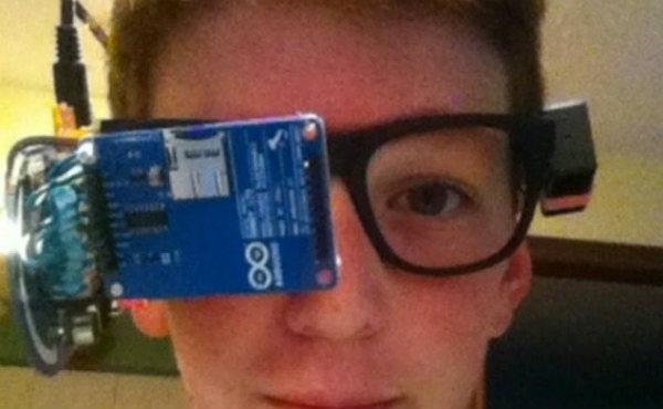 Clay Haight ha montado sus propias gafas inteligentes.