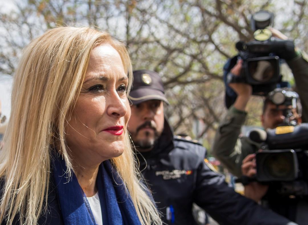 """El PP no tiene """"ningún motivo para desconfiar"""" de Cifuentes y señala al """"profesor del PSOE que lo filtró"""""""