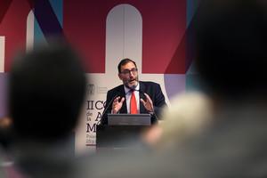GRA432. MADRID, 25/04/2017.- El juez de la Audiencia Nacional Eloy Velasco participa en una mesa redonda sobre el papel de la Fiscalía en la instrucción del delito en el II Congreso de la Abogacía Madrileña, hoy en el Palacio Municipal de Congresos de IFEMA, de Madrid. EFE/Fernando Villar