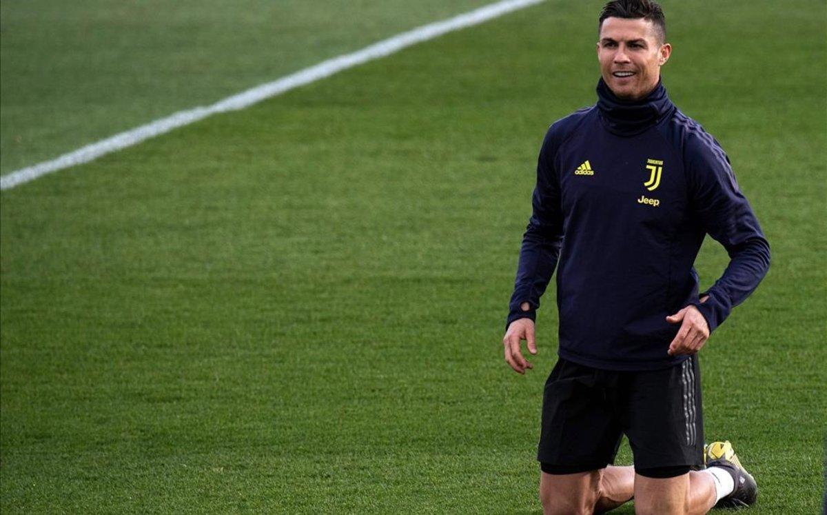 Cristiano Ronaldo, en el último entrenamiento de la Juventus antes de recibir al Atlético en Turín.