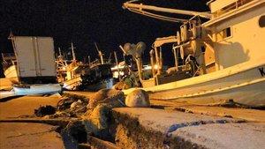 Daños en el puerto de la ciudad de Zakhyntos tras el terremoto de la noche del jueves
