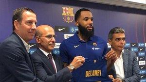 Delaney, en la presentación como jugador del Barça.