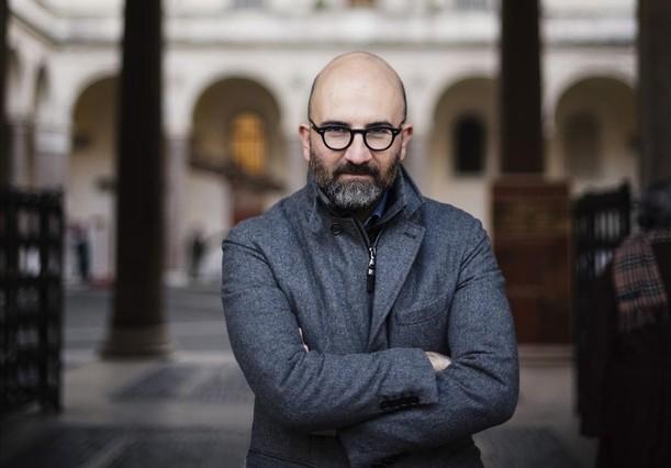 Roma 12 1 16 - Recorrido por Roma con el escritor Donato Carrisi en los escenarios de su novela El cazador de la oscuridad.