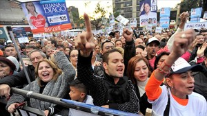 Un mitín del partido Centro Democrático en Bogotápara las elecciones legislativas.