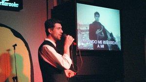 """""""Vaig demanar una cançó d'Álex Ubago al karaoke i em van posar una capsa de fluoxetina"""""""