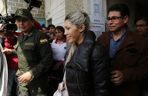 Gabriela Zapata, exnovia de Evo Morales, a la salida de una comisaría de policía en La Paz.