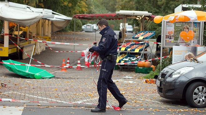 La candidata a la alcaldía de Colonia, herida a cuchilladas en lo que se cree que ha sido un ataque xenófobo