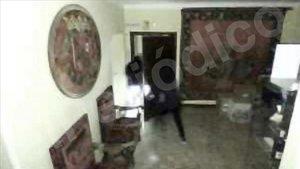 Las cámaras de seguridad grabaron a los dos encapuchados que asaltaron la Fundación Franco el3 de diciembre.