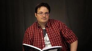 Invitado estrella 8 El escritor Brandon Sanderson, en una imagen promocional.