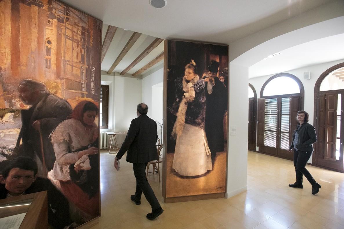 Jaume Collboni presenta las actividades y exposicion sobre la literatura y barcelona de la casa de Vila Joana  en Vallvidrera