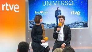 Julia Varela y Blas Cantó en la presentación de 'Universo'.