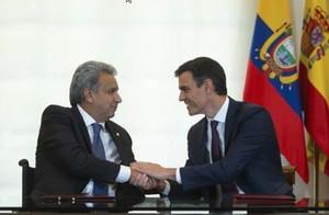 Lenín Moreno y Pedro Sánchez, en el Palacio de la Moncloa.