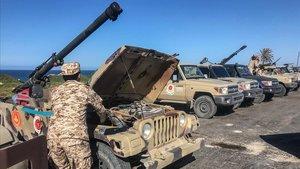 Fuerzas leales al Gobierno de Unidad Nacional hacen frente a la ofensiva del mariscal Hafter.