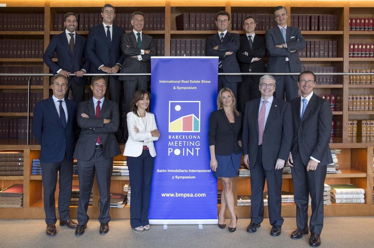 Los miembros del Comité de Innovación BMP 2017, en las oficinas del Consorci de la Zona Franca de Barcelona, organizadordel salón.