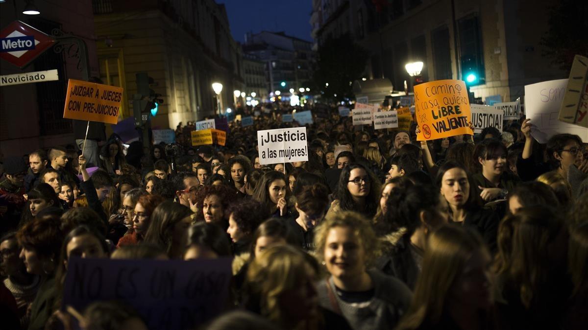 Manifestación frente al Ministerio de Justicia contra la violencia machista, este viernes en Madrid.