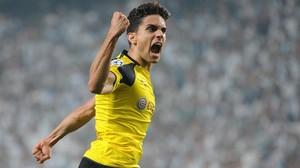 Marc Bartra grita eufórico tras anotar el 0-3 del Dortmund al Legia de Varsovia.