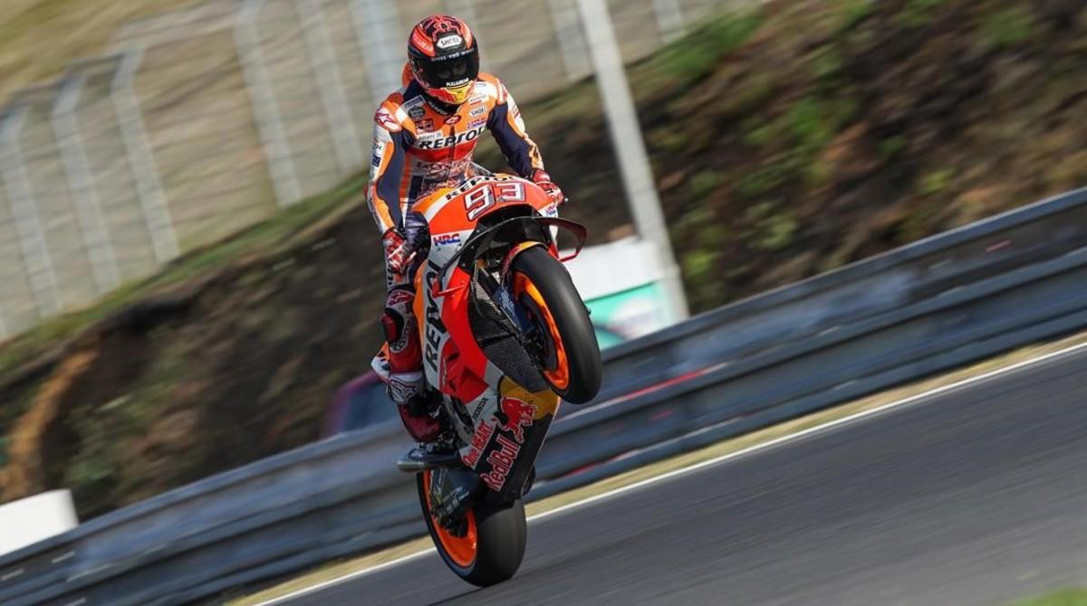 Marc Márquez (Honda) celebra el final del test de hoy, en Brno, donde estuvo cinco horas en la pista.