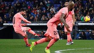 Messi ha firmado otra genialidad con una falta majestuosa.
