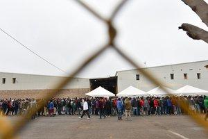 Milesde migrantes centroamericanos han llegado a la frontera de México con los EEUU.
