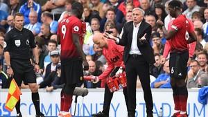 Mourinho, en el duelo del United ante el Brighton.