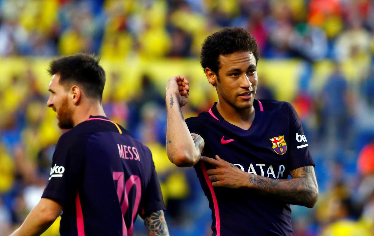 Neymar, tras marcar uno de sus tres goles ante el Las Palmas.