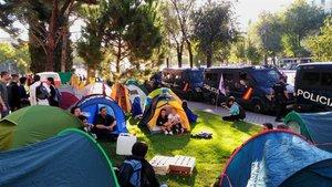 La rebel·lió climàtica puja de grau amb acampades i talls de trànsit