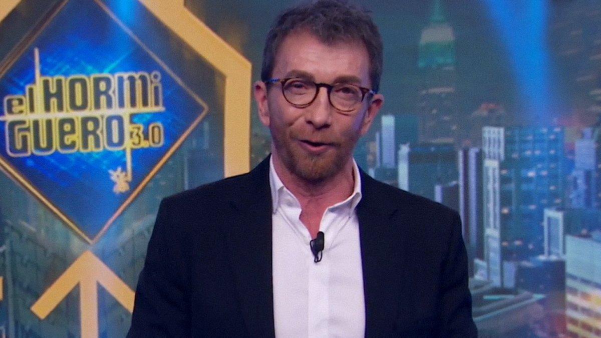 """Pablo Motos, sobre Fernando Simón: """"Parece que lleva varios días durmiendo en un coche"""""""