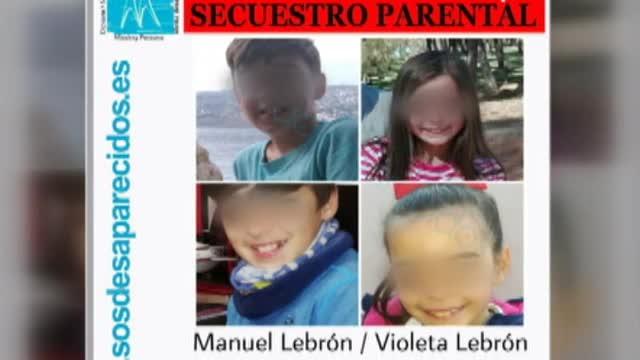 Els nens passavenles festes aAlcalá de Guadaíra amb el seu pare des del dia 23 de desembre.
