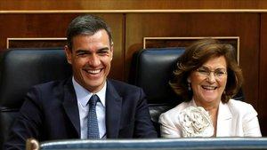 Pedro Sánchez y Carmen Calvo, el martes en el Congreso.