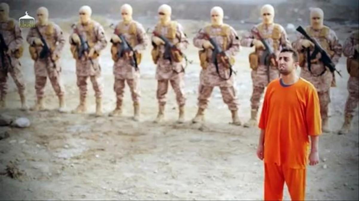 PROPAGANDA. Imagen de uno de los vídeos lanzados por Estado Islámico para propagar el terror.