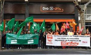 Protesta de trabajadres de la cadena de supermercados Dia.