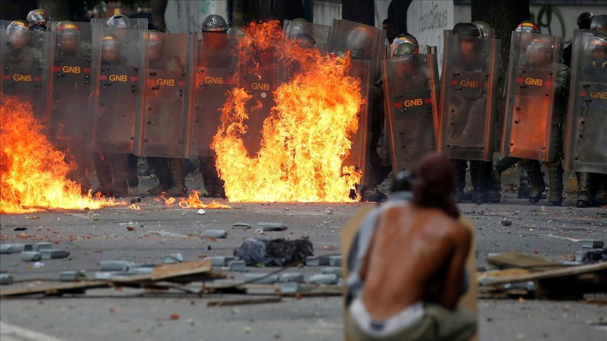 Protestas en Caracas durante los dos días de huelga general convocada por la oposición.