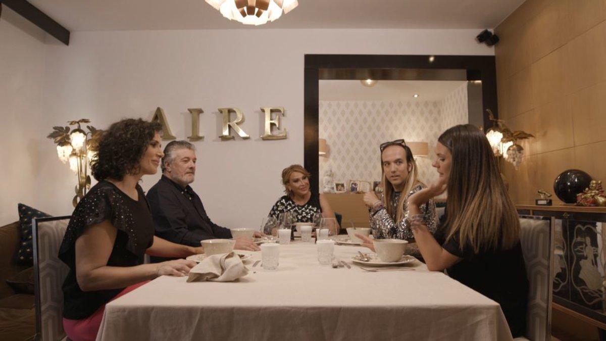 Raquel Mosquera, primera anfitriona de la nueva edición de 'Ven a cenar conmigo: Gourmet Edition'.
