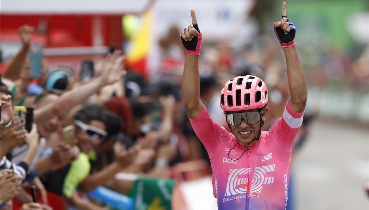 El ciclista colombiano Sergio Higuita triunfa en Becerril de la Sierra.