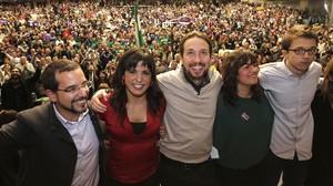 Sergio Pascual, Teresa Rodríguez, Pablo Iglesias, Auxiliadora Honorato e Íñigo Errejón, en un acto en Sevilla en 2015.
