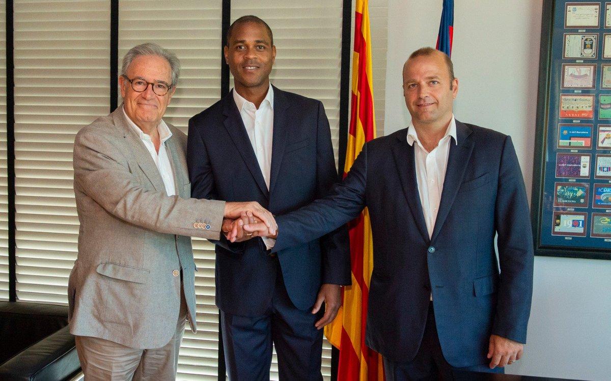 Kluivert regresa al Barça — Oficial