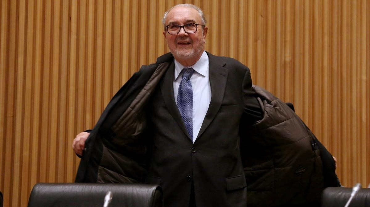 Pedro Solbes en la comisión de investigación de la crisis en el Congreso.