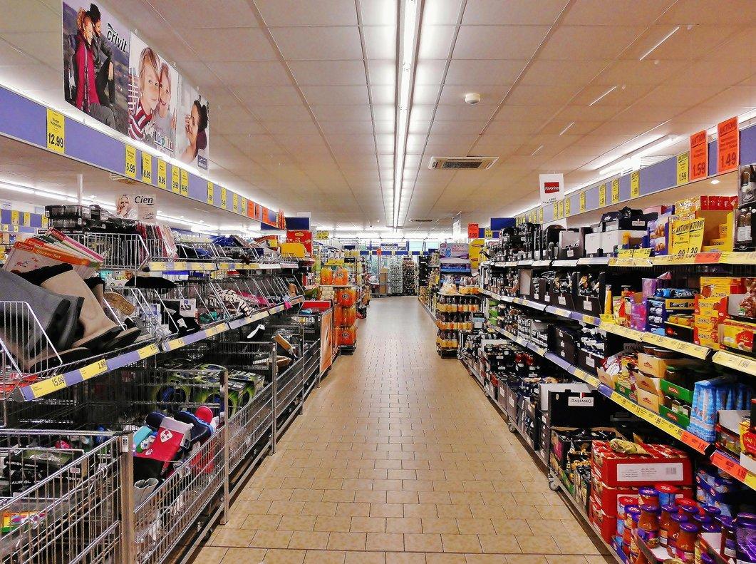 La surrealista escena ficticia de un supermercado que se ha vuelto viral