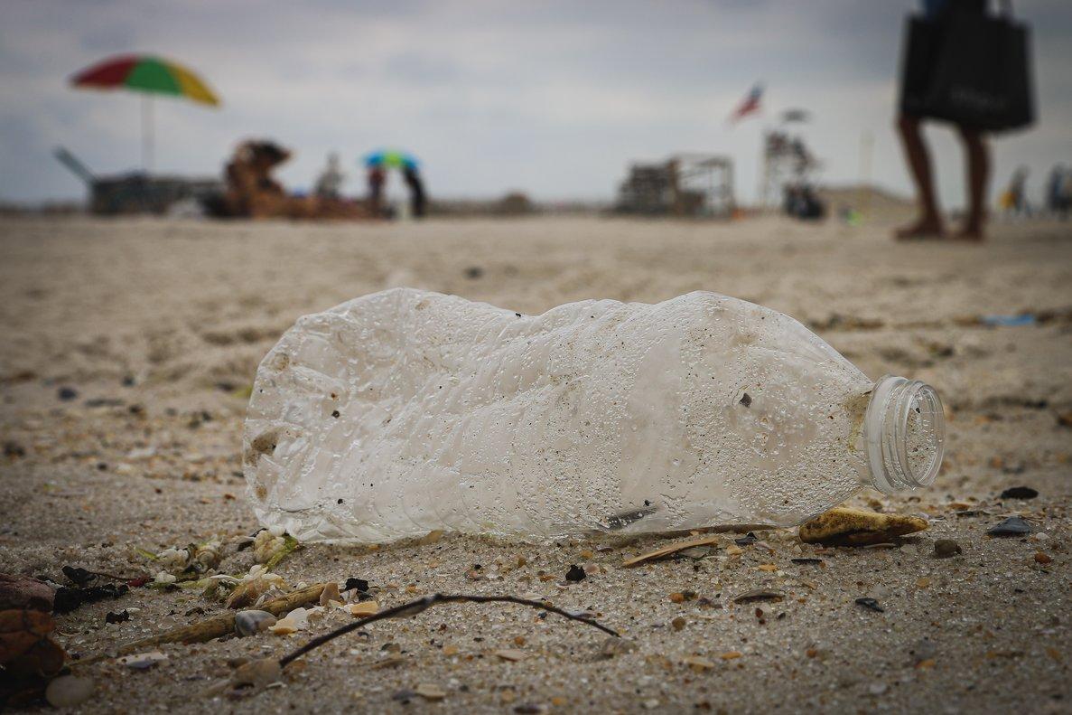 Cada año se vierten al mar más de8 millones de toneladas de plástico.