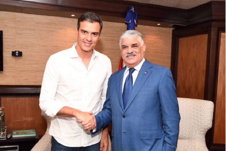 El canciller de la República Dominicana y presidente Partido Revolucionario Dominica felicita a Pedro Sánchez.