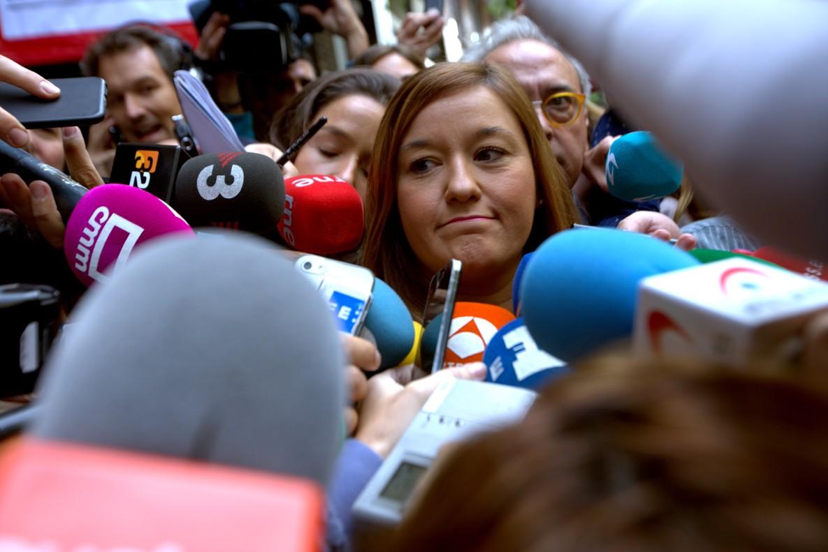 Verónica Pérez, este jueves, antela sede del PSOE en Madrid.