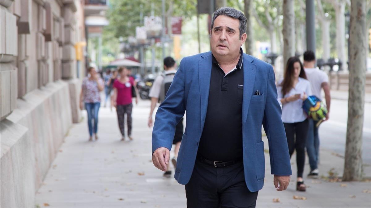 Manuel Bustos, condemnat a tres anys de presó per retirar multes a familiars