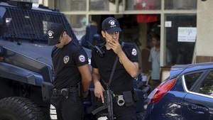 Un jutge rebutja l'apel·lació per alliberar el pastor nord-americà en arrest domiciliari a Turquia
