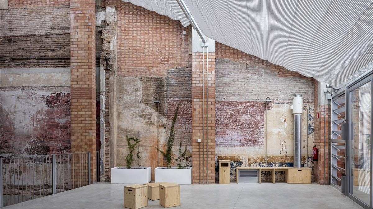 Parte del interior de La Lleialtat Santsenca, uno de los proyectos de HARQUITECTES que optan al premio Mies van der Rohe.