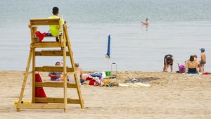 Baixen un 45% les assistències de socorrisme a les platges de Mataró aquest estiu